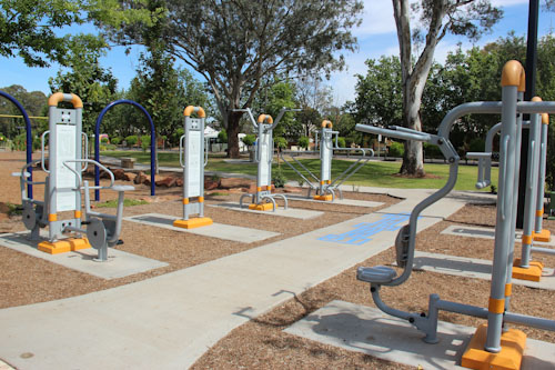 Exercise equipment at City Park, Griffith, NSW, October 2013