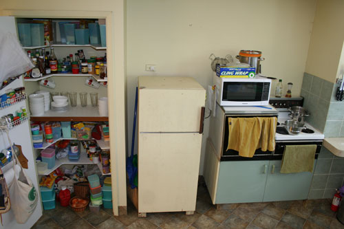 Kitchen before, November 2008