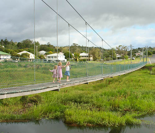 Suspension bridge at Mount Morgan, November 2010