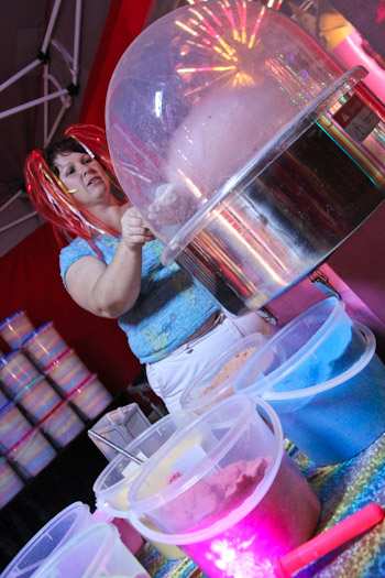 Making fairy floss at the Beenleigh Show, September 2011