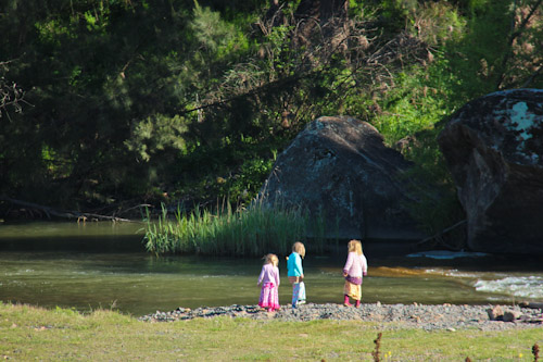 Girls on the bank of the Goulburn River, October 2011