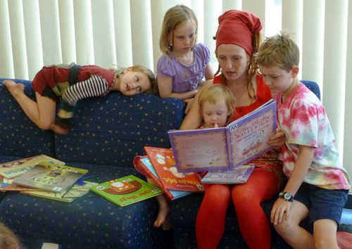 Reading to children, Launceston, Tasmania, January 2013