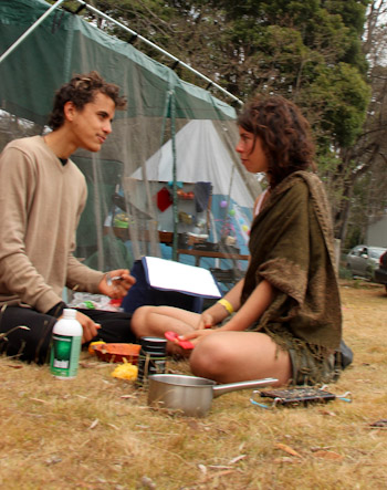 Giles Hunt and Nirmala (Natalie) Laing, Tasmanian Circus Festival, January 2013